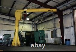 Heavy Duty 2 Ton Freestanding Jib Crane. Excellent Condition With 2 Ton Elec Hoist